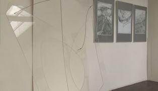 """""""KRESKA LINIA KRAWĘDŹ"""" – Wystawa zbiorowa"""