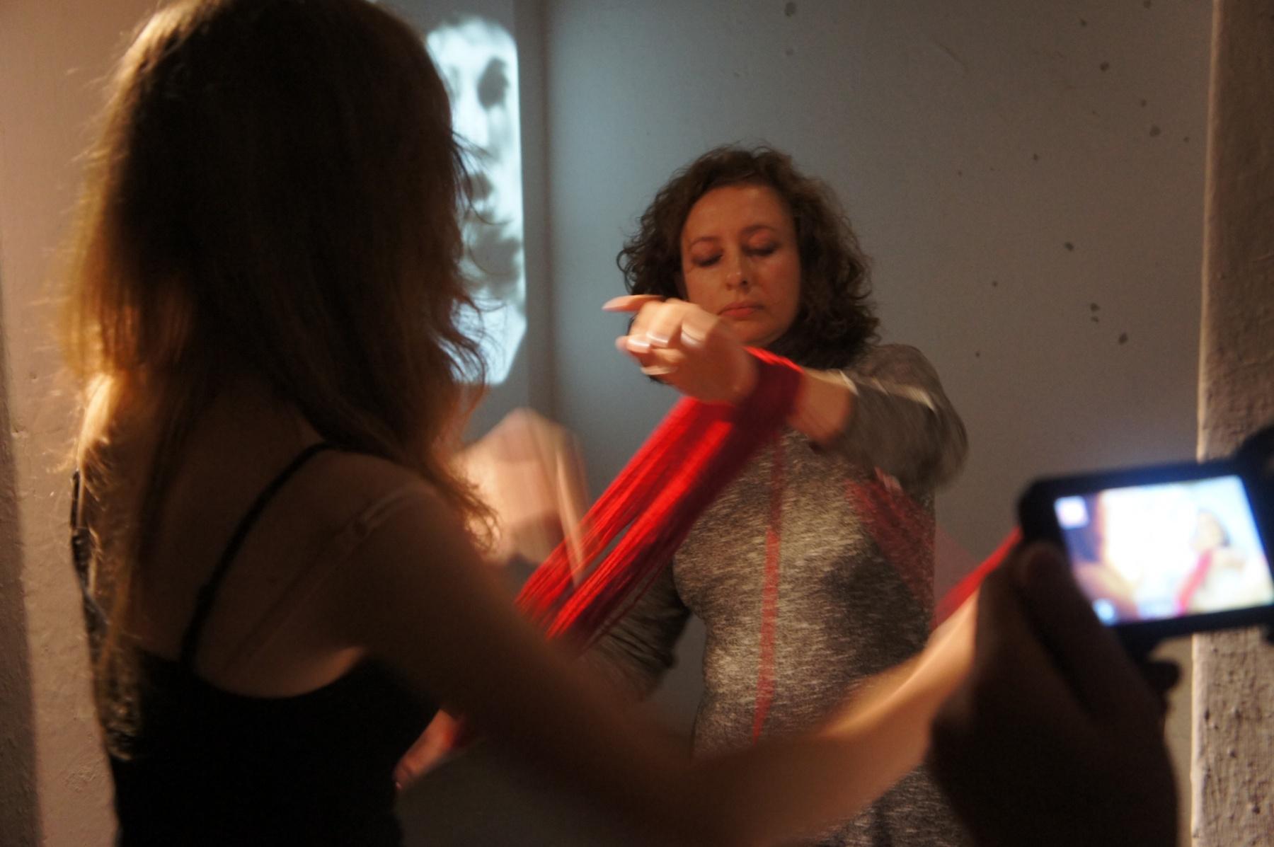 Fotorelacja i dokumentacja wideo z wystawy Relacje 6. Joanna Chołaścińska i Magdalena Mazur  (Galeria Nurt, 10.07.2019)